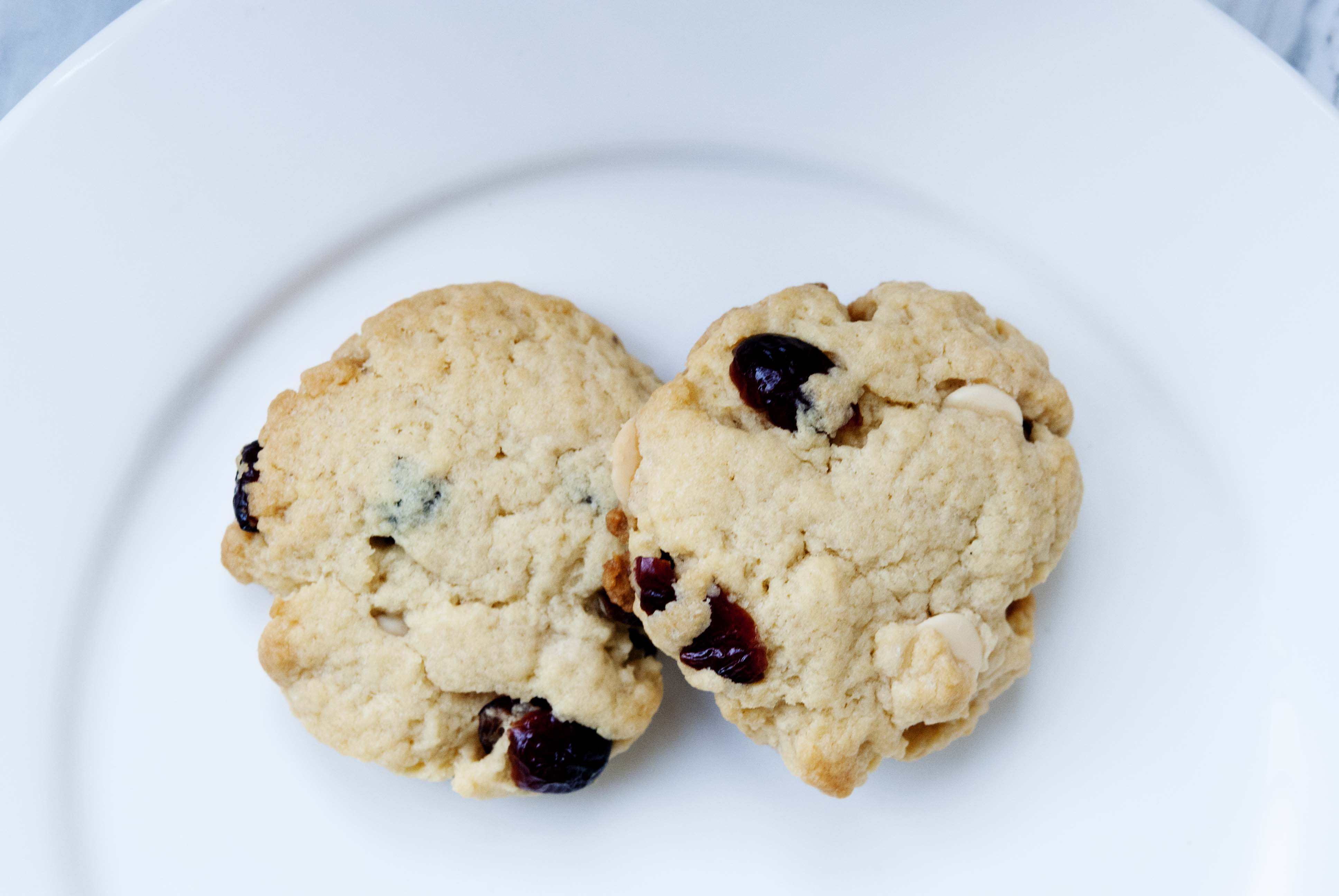 cranberry-white-chocolte-chip-cookie-expatcucina2
